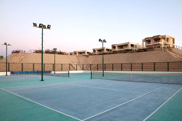 Hilton Long Beach Resort - tennis courts