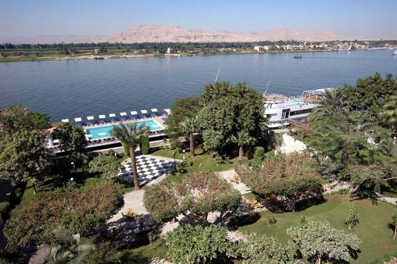 Iberotel Luxor Hotel - hotel grounds