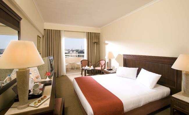 Iberotel Luxor Hotel - superior room, queen sized bed