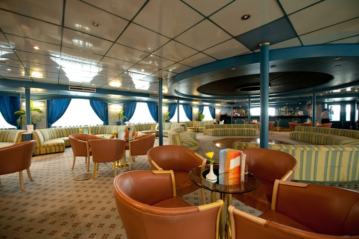 MS Grand Preziosa - bar and lounge