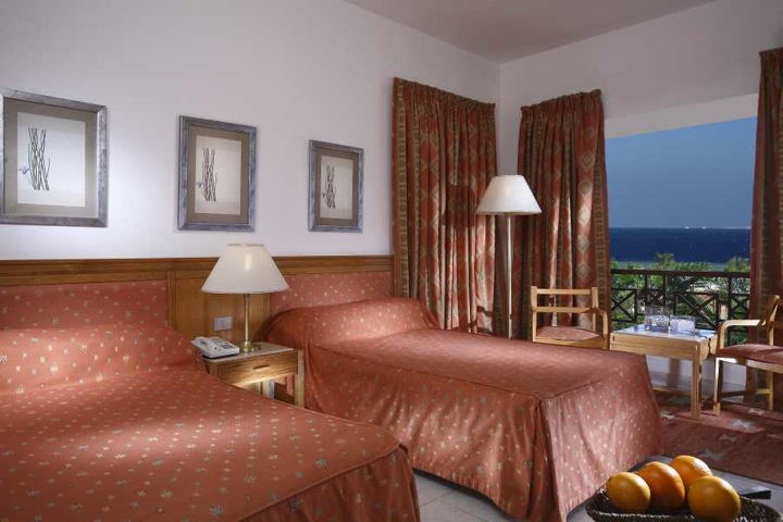 Sonesta Pharoah Beach, Hurghada - twin room with sea view