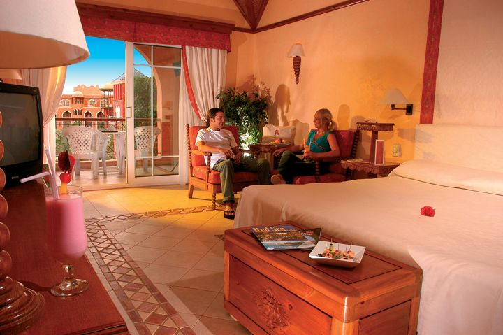 The Grand Resort - bedroom