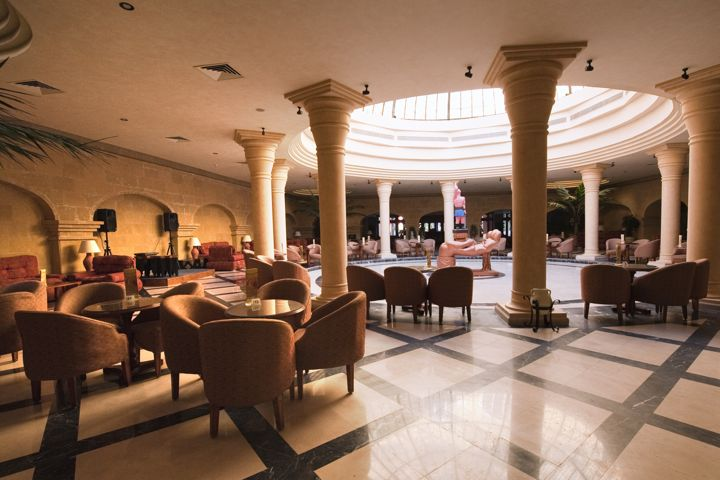 The Grand Resort - lounge
